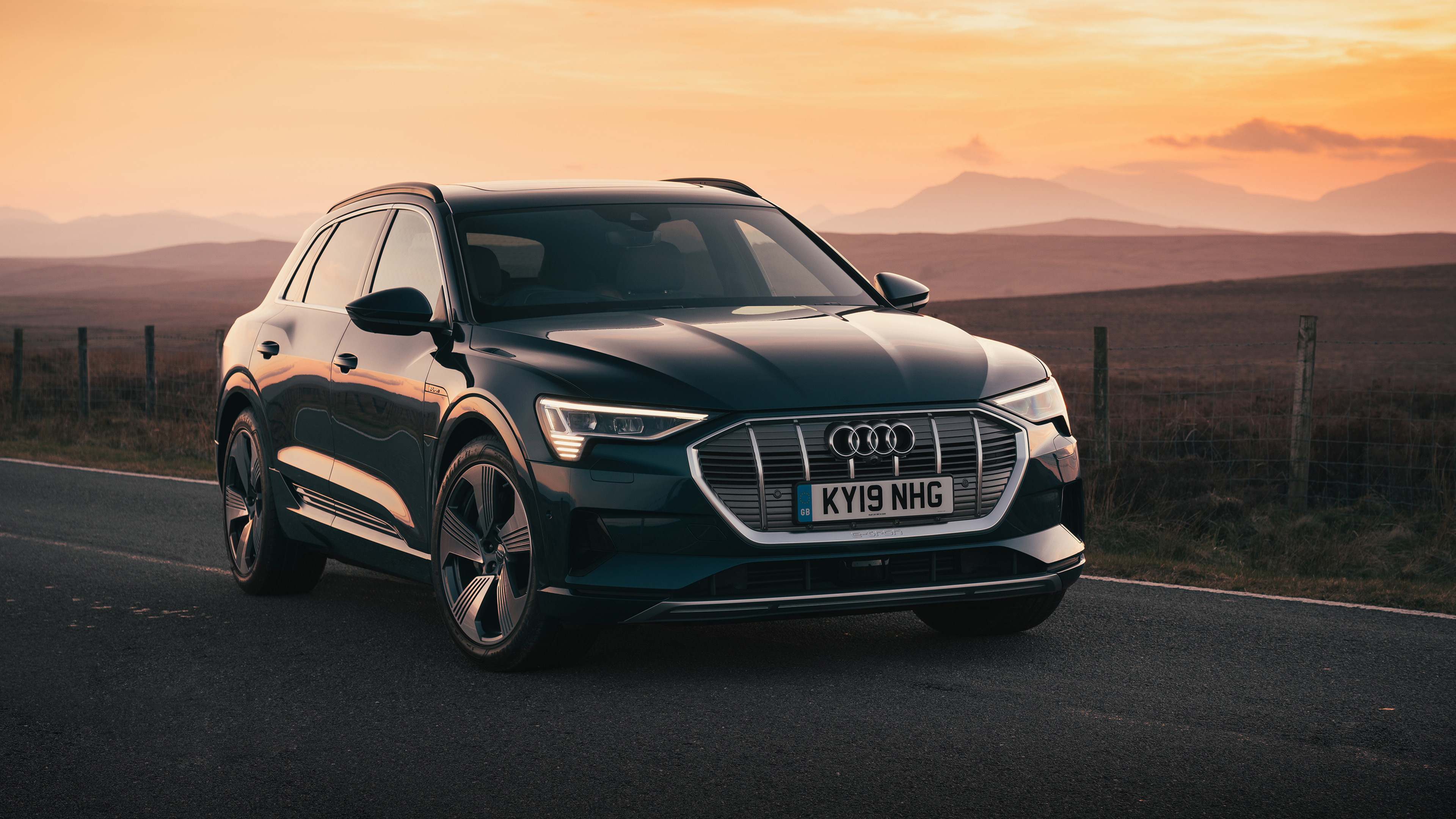 Audi E Tron 55 Quattro 2019 4k 2 Wallpaper Hd Car Wallpapers Id 12396