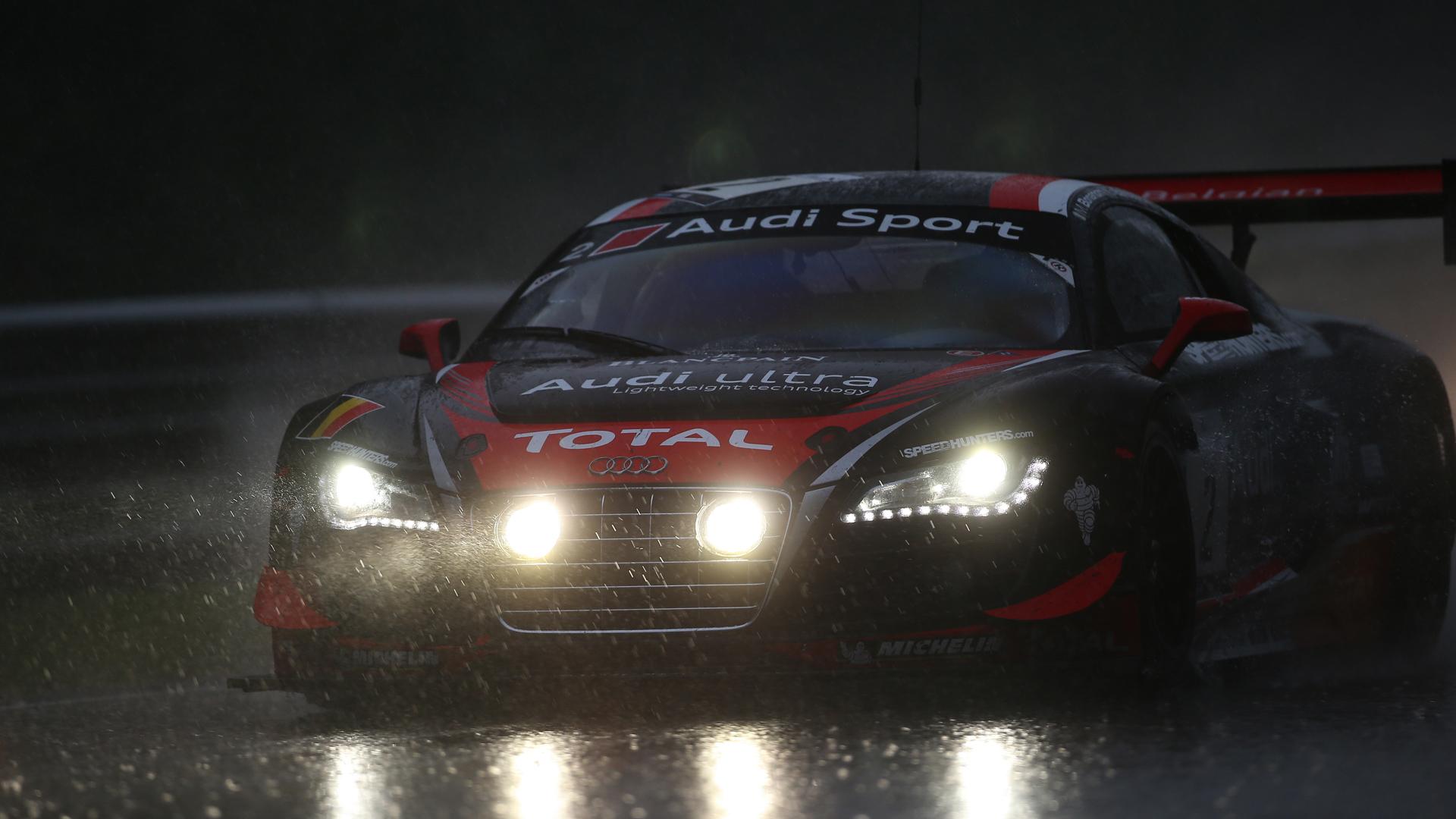 Audi R8 Sport Rain Race