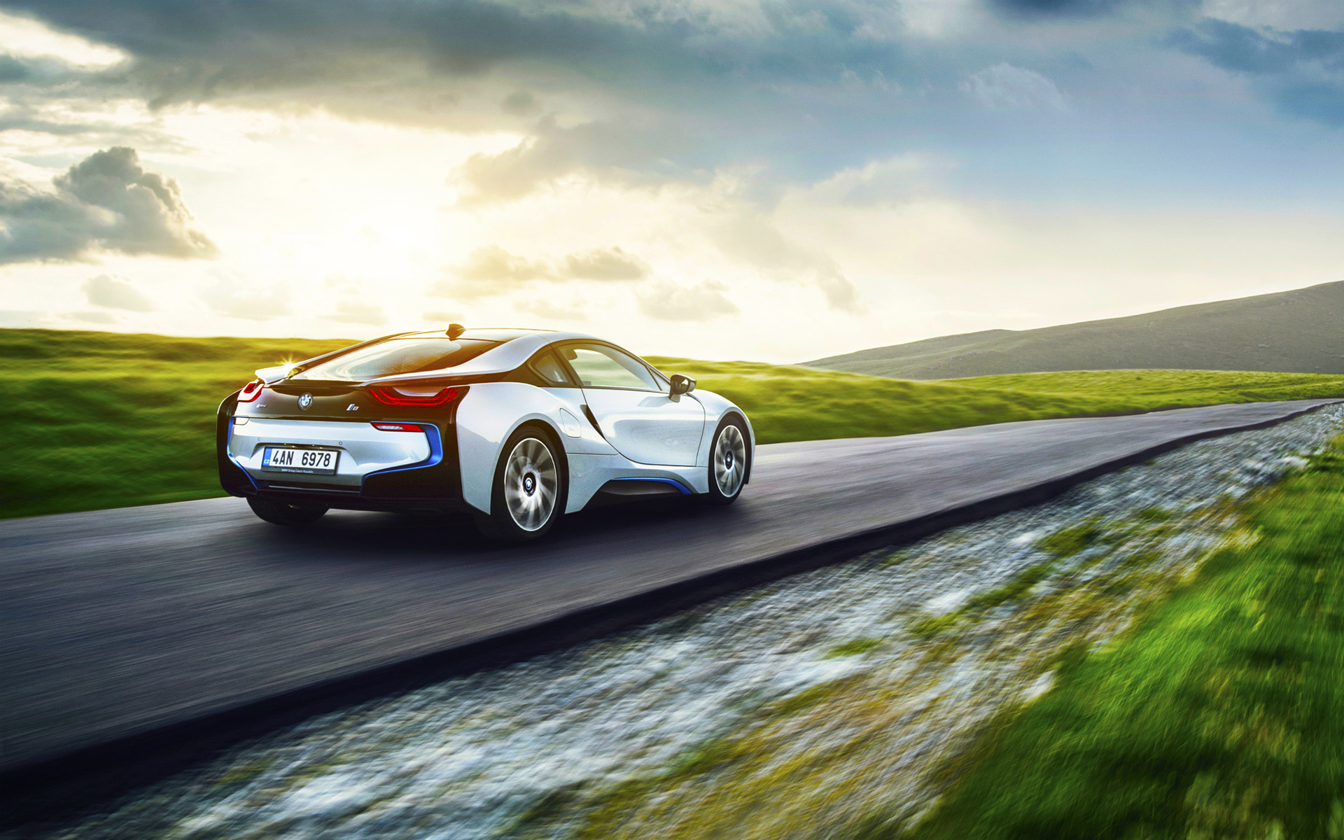 BMW I8 Back View Wallpaper