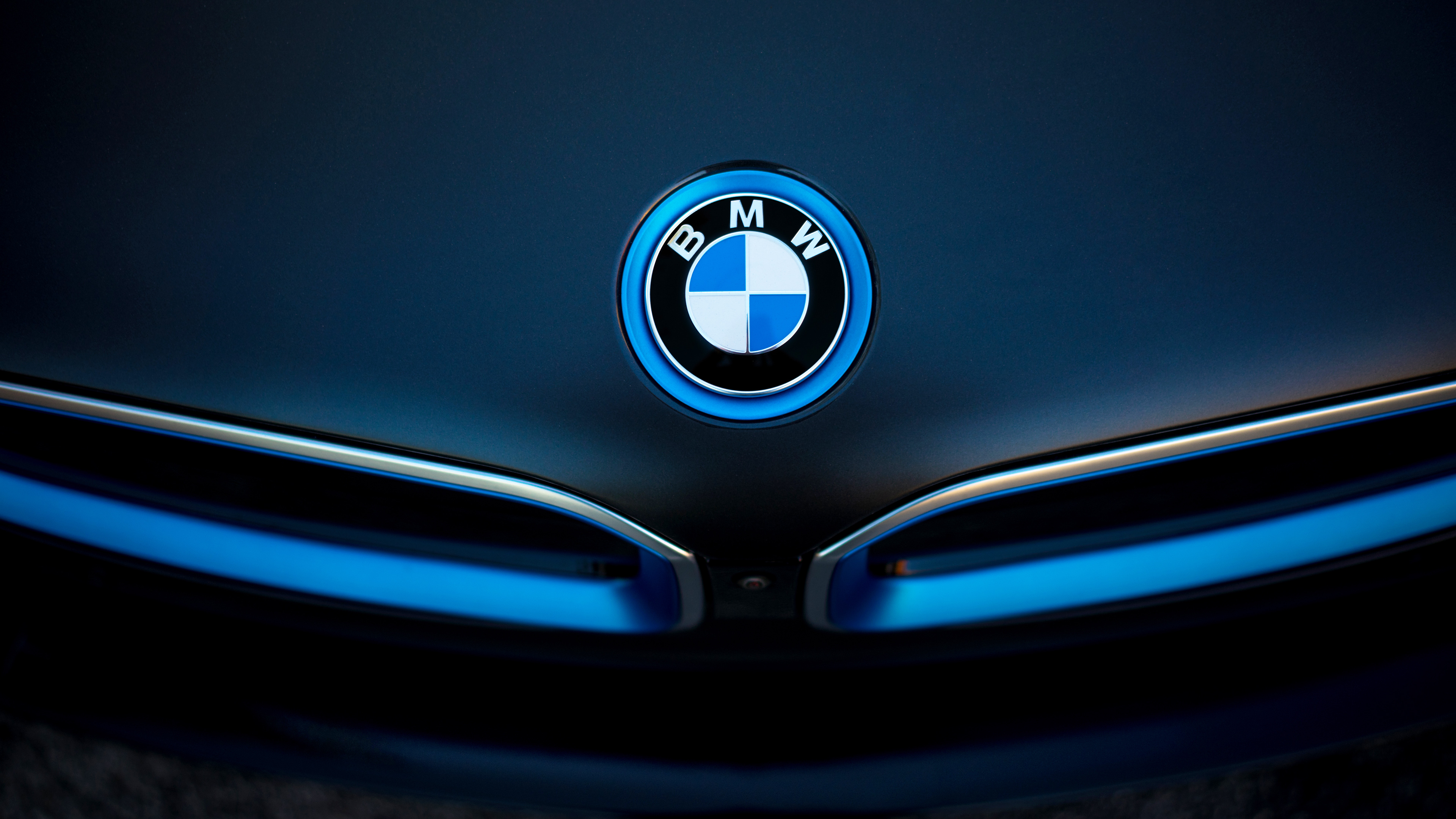 Bmw I8 Badge Wallpaper Hd Car Wallpapers Id 5540