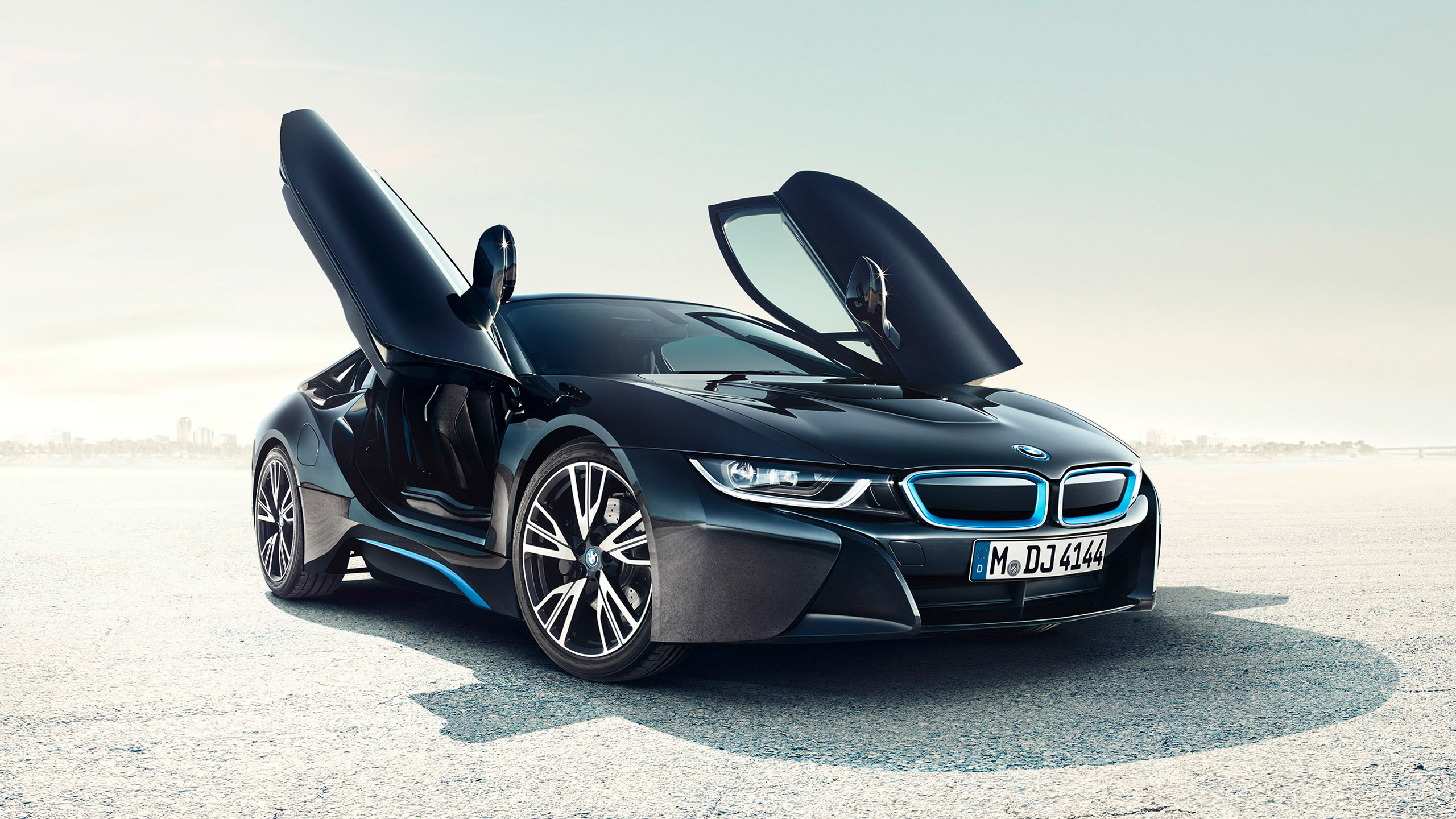 Attractive BMW I8 HD