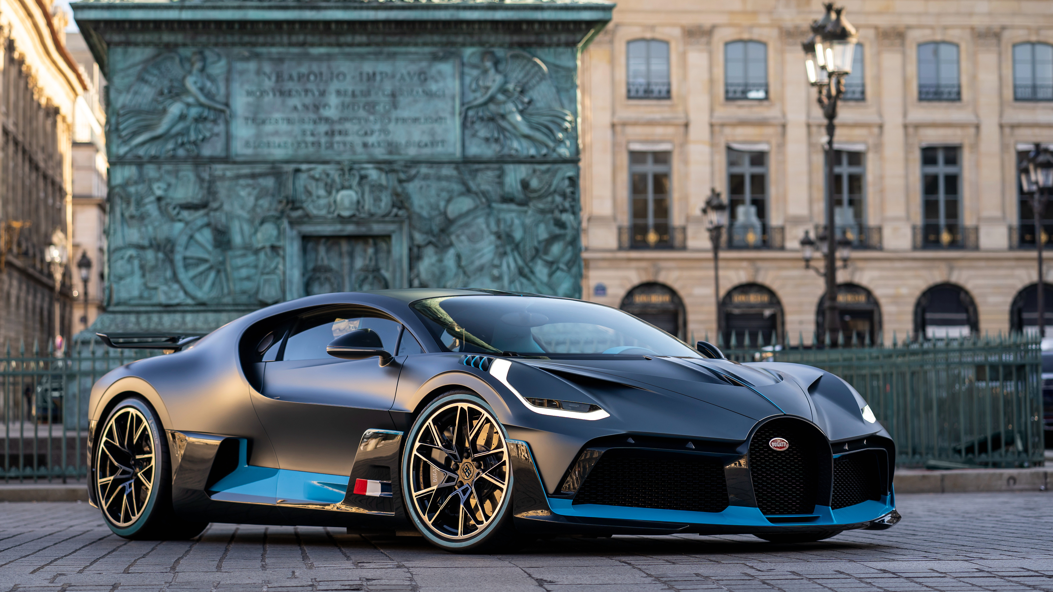 Bugatti Divo in Paris 4K Wallpaper | HD Car Wallpapers | ID #11339