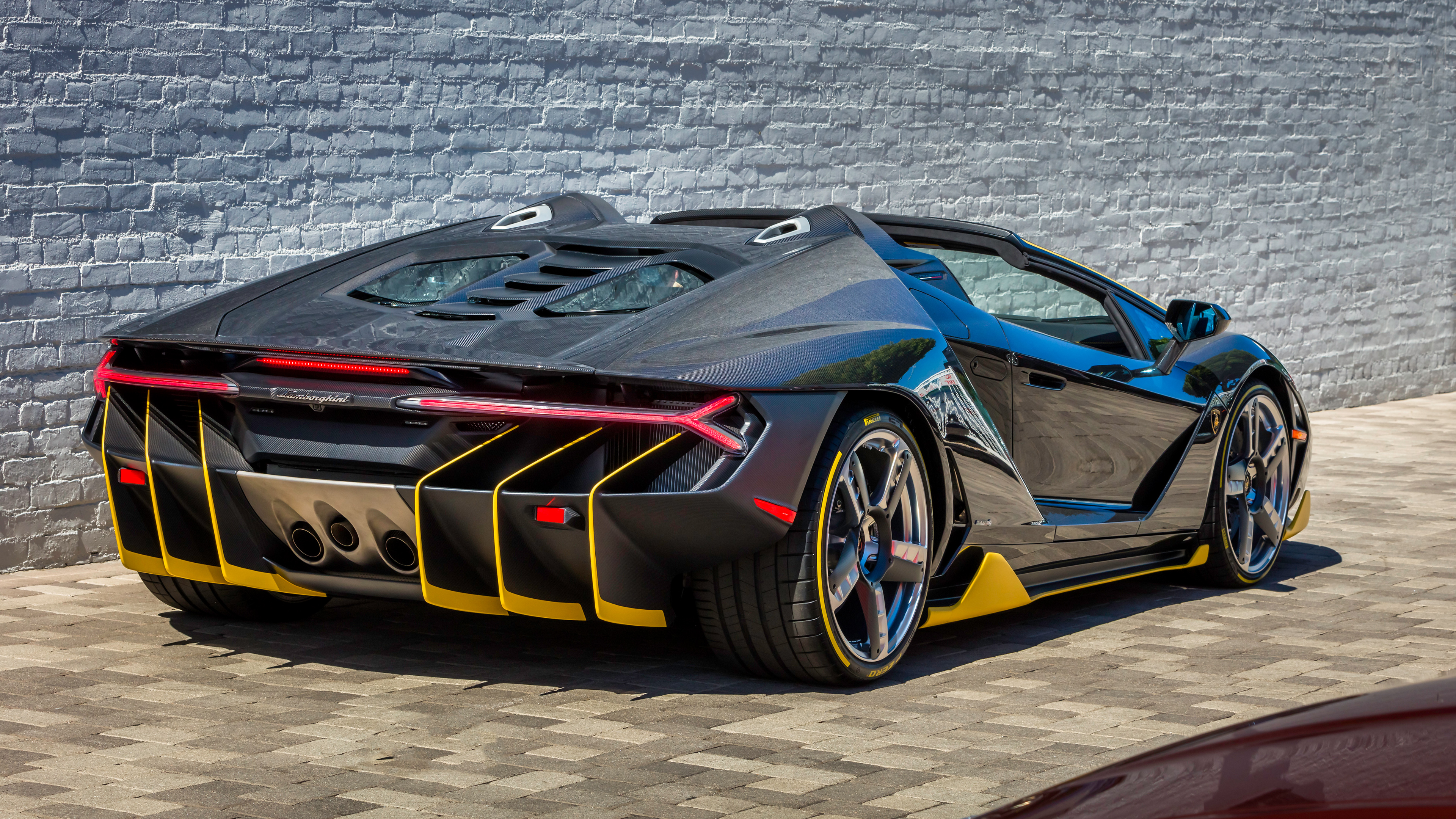 Lamborghini Centenario Roadster Rear Wallpaper Hd Car Wallpapers Id 7961