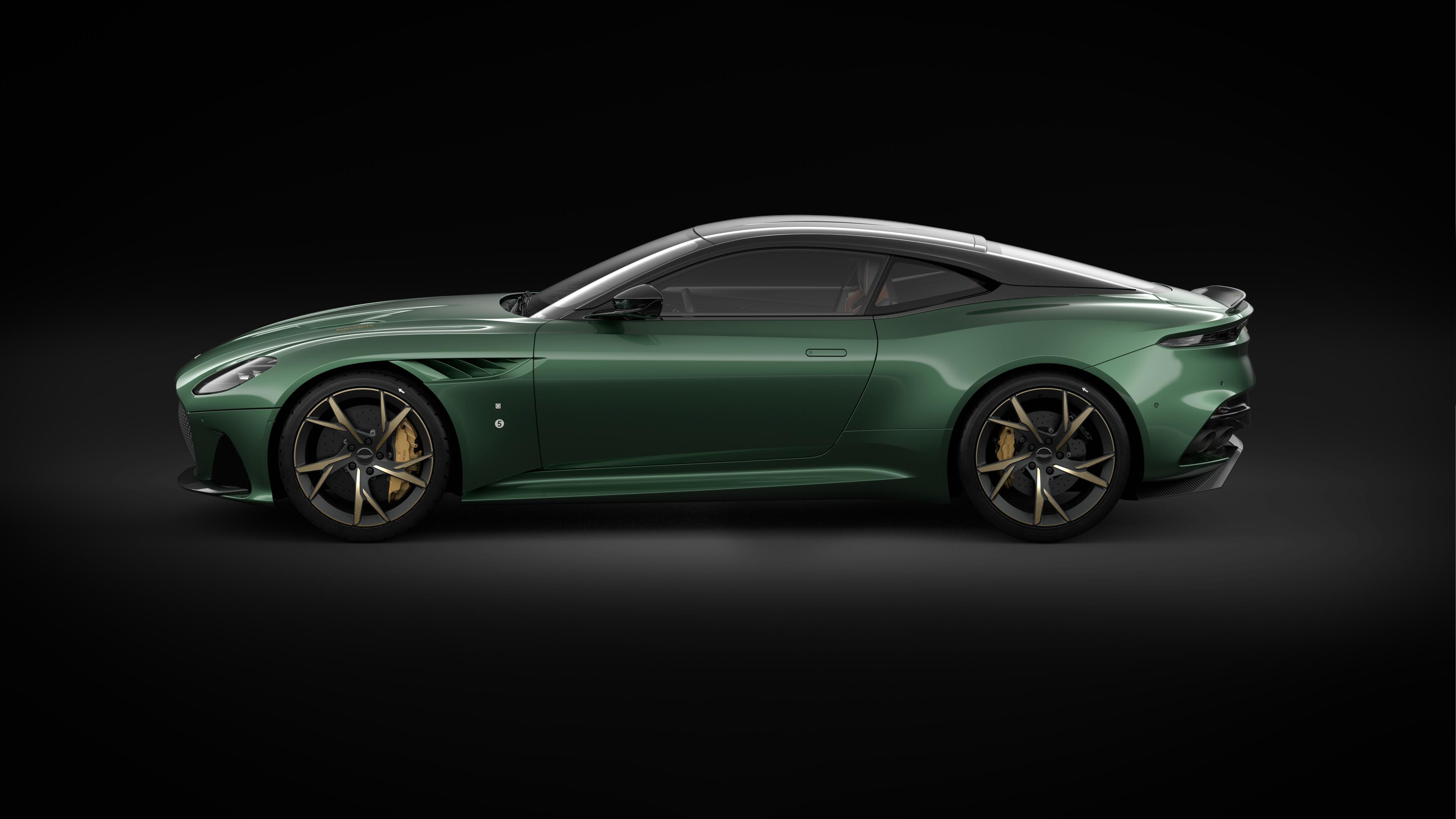 Turns Out The New Aston Martin Vantage Looks Good In Black Or White Too 338 Pics Autos Deportivos Autos Deportes