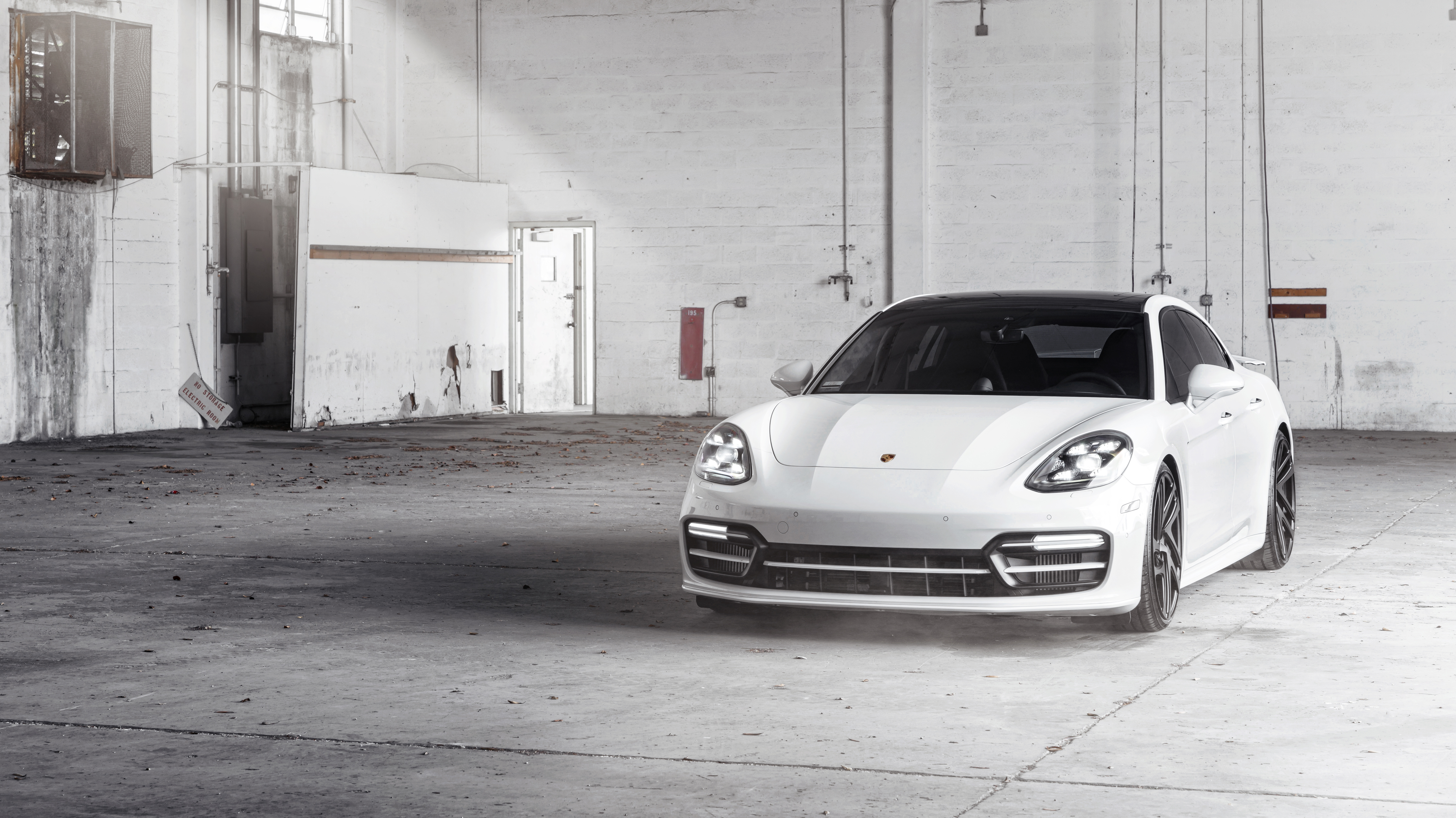 Rotiform Porsche Panamera 4K 8K