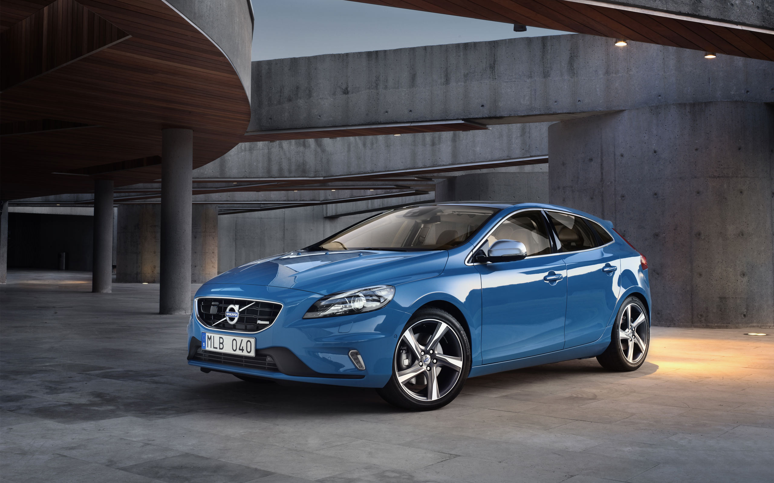 volvo v40 2013 wallpaper hd car wallpapers. Black Bedroom Furniture Sets. Home Design Ideas