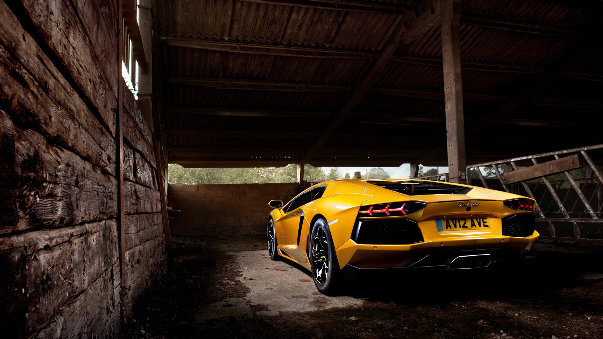 Hd wallpaper lamborghini - Yellow Lamborghini Aventador 2